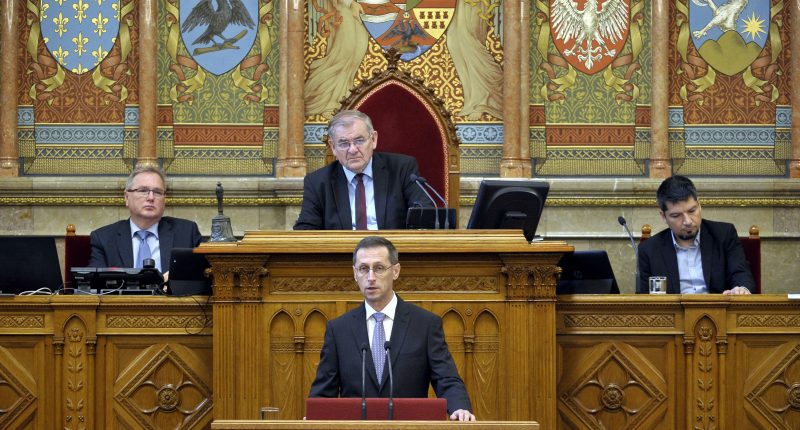 Economy minister: 2020 budget focuses on family support